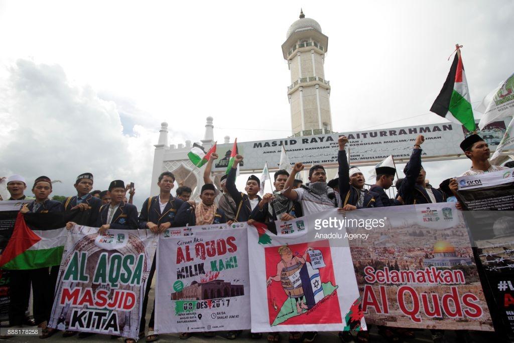 Protest against Trump Aceh Indonesia December 08 2017 Junaidi Hanafiah Anadolu Agency Getty Images